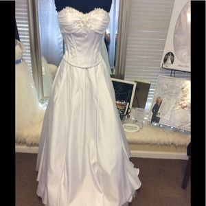 Dresses & Skirts - White Two piece Satin Wedding Dresses w/Shawl